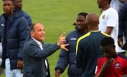 非洲:另一支非洲队队员咬着灰尘世界杯预选赛亚洲区